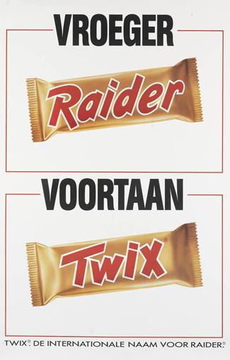 Twee verpakking van Twix, die vroeger Raider heette