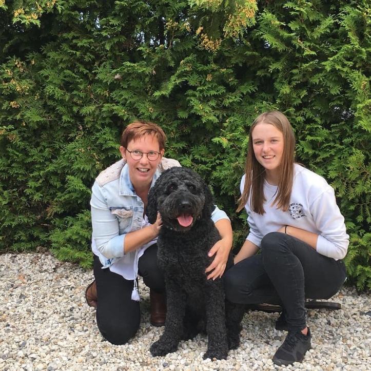 Hutch met rechts van hem Ingrid en links haar dochter Linke, zij waren zijn gastgezin